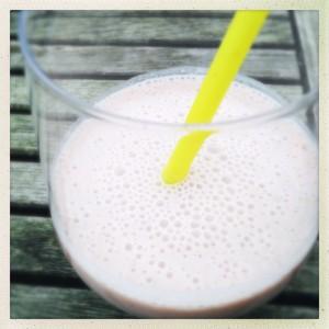 Gezonde aardbei milkshake